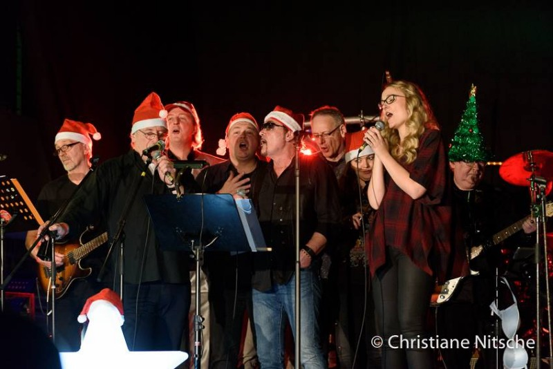 Alle Jahre wieder! Crazy Christmas Party 2018 mit Timeless und The Lightnings